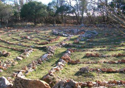 labyrinthe-spirituel-au-hameau-de-letoile